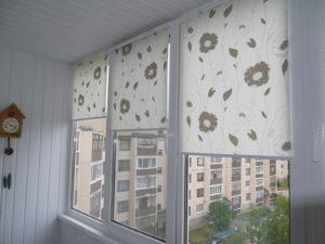 Установка рулонных штор на пластиковые окна в Реутове